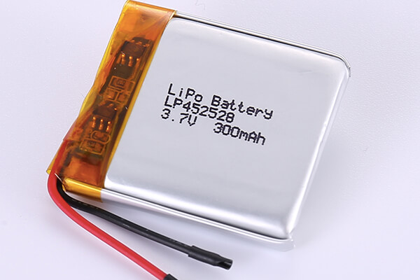 3.7V Rechargeable Hot Selling Lithium Polymer Batteries LP452528 300mAh with 1.11Wh